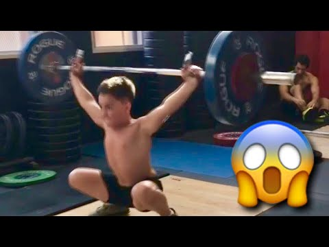 11 YEARS OLD WEIGHTLIFTER