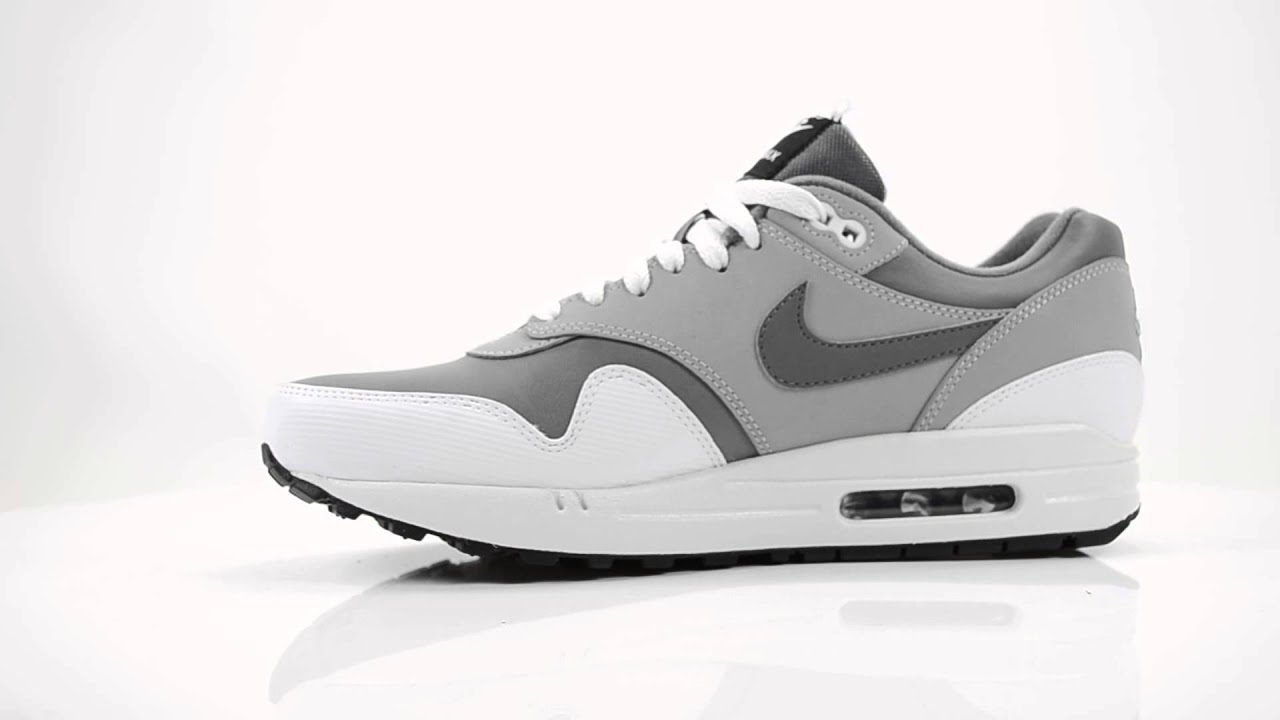 1499a20b4a3 NIKE AIR MAX 1 HEREN SNEAKERS - GRIJS WIT | SS15 - YouTube