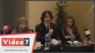 بالفيديو..هانى البحيرى يرد على اتهامات سرقة تصميم فستان دنيا سمير غانم
