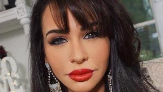SELENA QUINTANILLA Makeup, Hair & Outfit | Carli Bybel