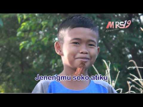 SEWU KUTO  (Cover Video Clip & Lirik) Muhammad Mahrus _ Probolinggo