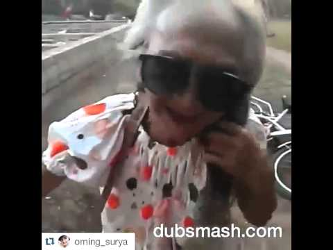 Funny Dubsmash - Video Lucu Gokil - Nenek Pengen Eksis Nyanyi Lagu Barat