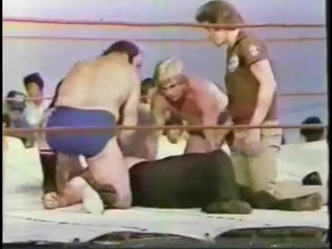 Classic Memphis Ferris (HONKY) Attacks Bill Dundee Wrestling 1979