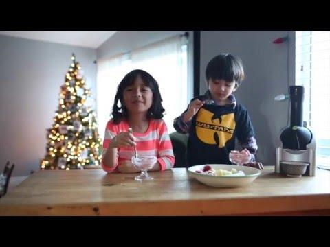 Making Frozen Yogurt with Yonanas!