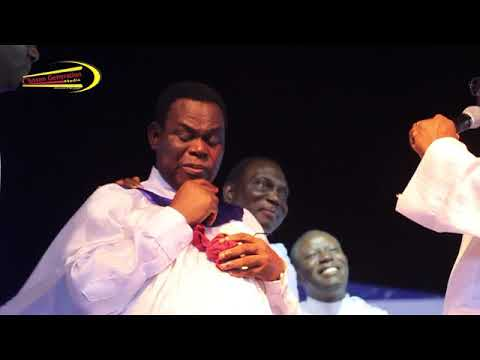 DR. WOLE ADETIRAN shed TEARS OF JOY as he was HONOURED and AWARDED @ Luli Concert 2017