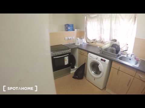Room to rent in 2-bedroom apartment with central heating in Golders Green - Spotahome (ref 124560)