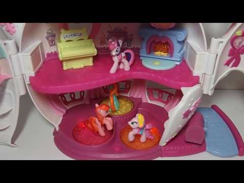 My Little Pony Teapot With Spinning Light-Up Platforms, Piano Sounds, Swing and Four Ponies