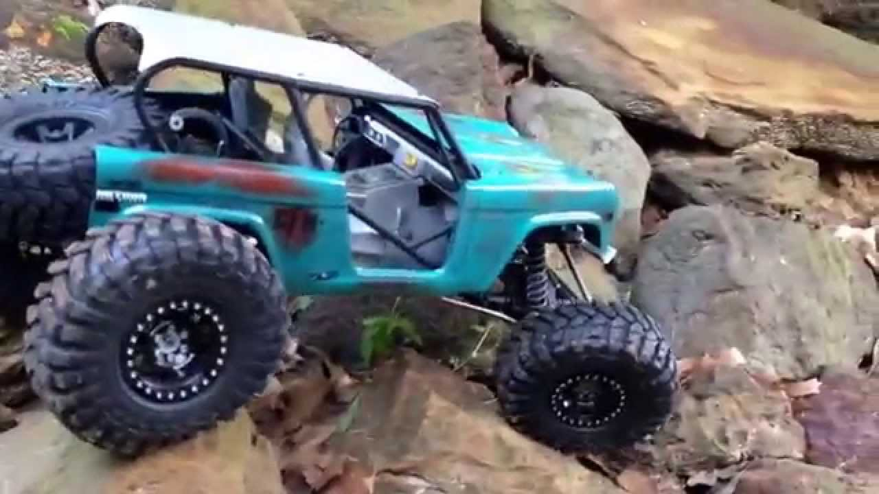 Custom Built Axial Wraith Ford Bronco W Ultra4 Styling