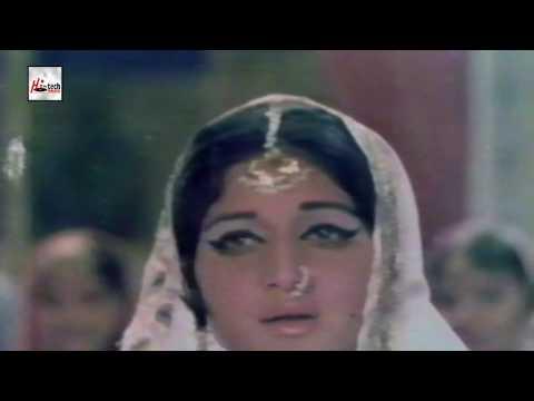 HAMAREY SAMNEY AA KAR - AHMED RUSHDI & ROONA LAILA - UMRAO JAN ADA - PAKISTANI FILM SONG