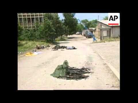 yugoslavia:-kosovo:-urosevac:-kla-begin-hand-over-of-weapons