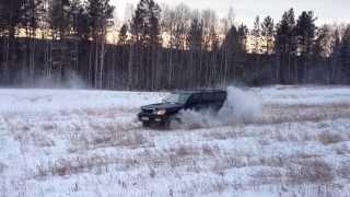 Lexus LX 470. Burnout on the field.