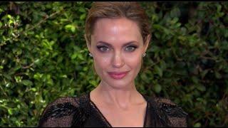 Анджелина Джоли намерена снять фильм о терроре красных кхмеров в Камбодже