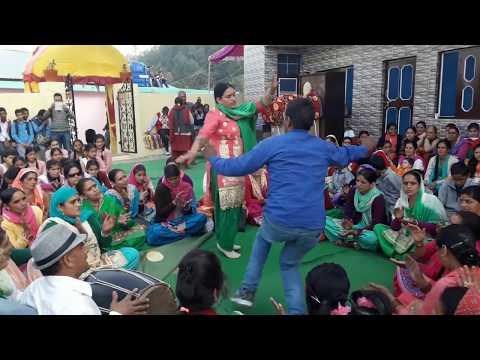 Himachali जबरदस्त Gidha With Raju Bahi Dagyana {Dhami} शेयर जरूर करे