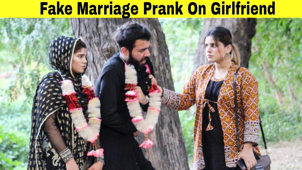 Fake Marriage Prank On My Girlfriend   Prank in Pakistan   @Hit Pranksters