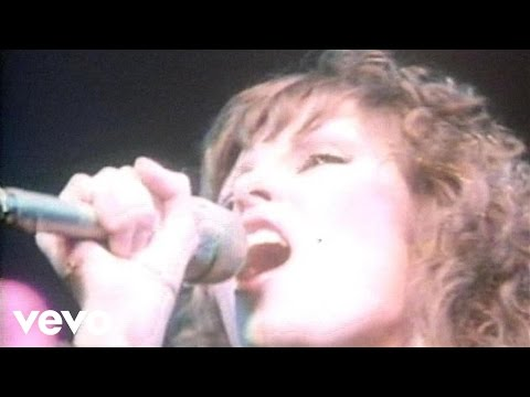 Pat Benatar - We Live For Love (Live)