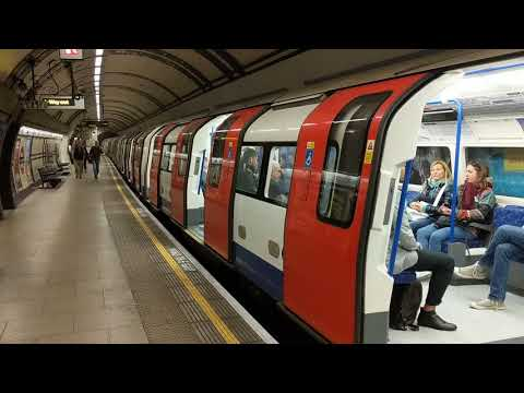 London Underground tube trains, Mornington Crescent Station. Northern Line going southbound