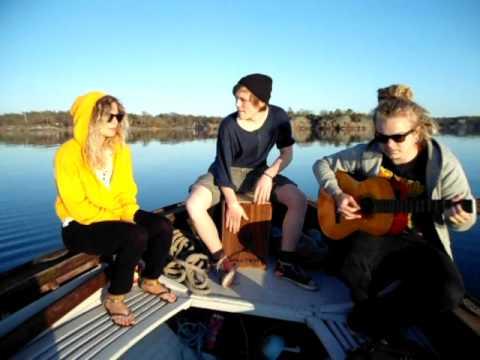 Waka Waka - Shakira cover (Mette Ekblom Anton Johansson Casper Tötterman)