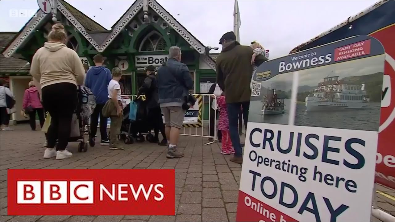 Boost for UK tourism as British holidaymakers stay close to home - BBC News