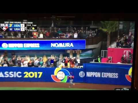 Eric Hosmer crushes a homer in to take lead in World Baseball Classic vs. Venezuela
