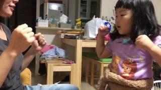 極真空手千葉県北支部北習志野道場の阿曽心 家で自主練。