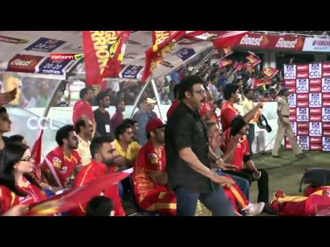 Venkatesh Joyful & Cheering Momemts at CCL 6 - Telugu Warriors Vs Karnataka Bulldozers