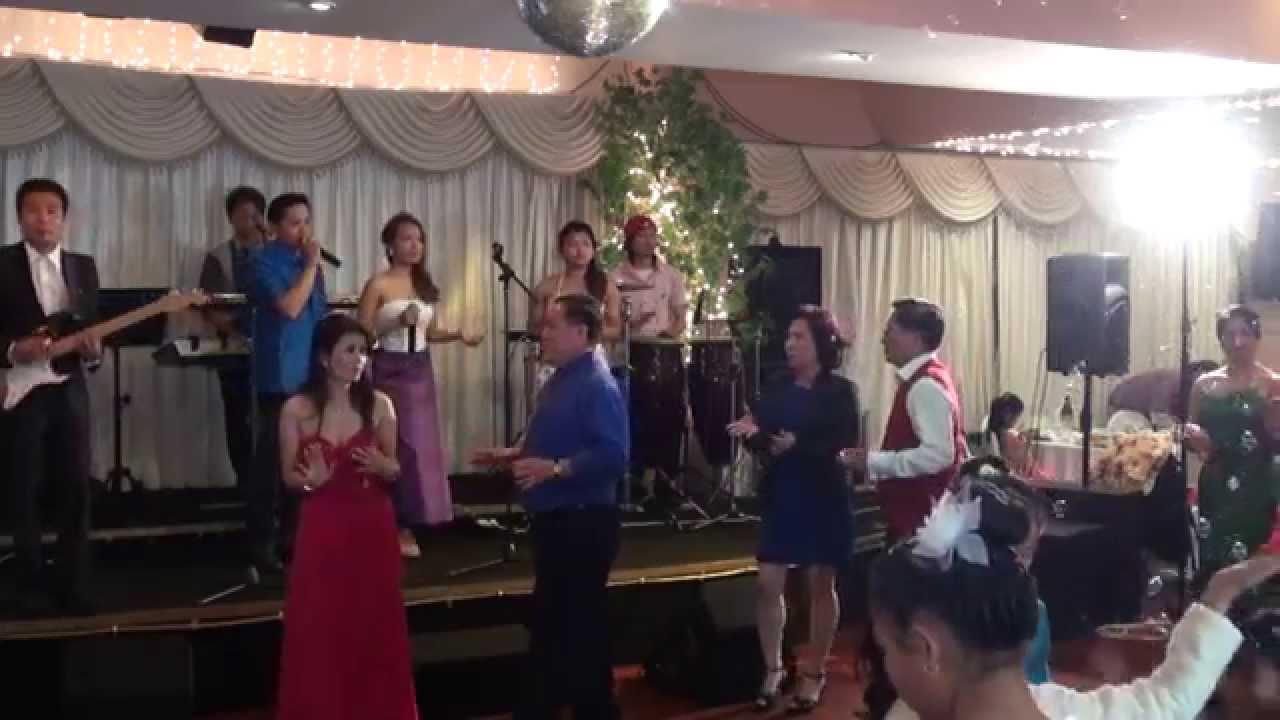Download Khmer Wedding party dancing 2014 part 1/2