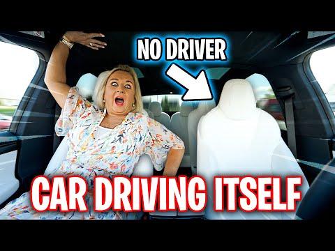 Tesla Drives Itself Prank on MUM (Summon Mode)