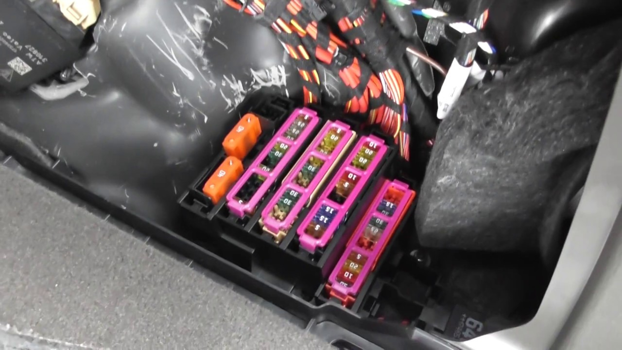 hight resolution of fuse box location porsche macan youtube porsche cayenne 2004 fuse box location porsche fuse box location