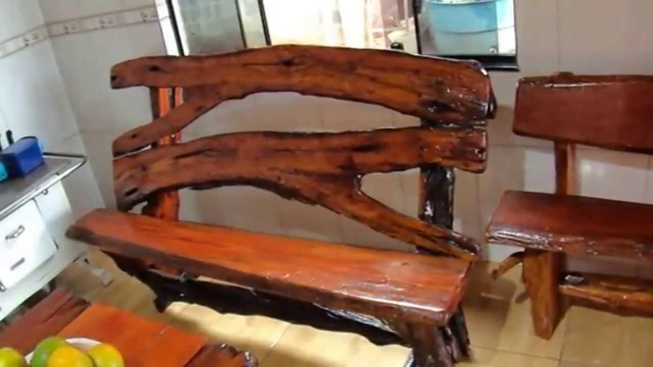 Moveis rustico feitos em casa com madeira do leito do rio for Bar para casa rustico