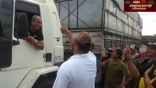 MOTORISTA FURA BLOQUEIO DE CAMINHONEIRO