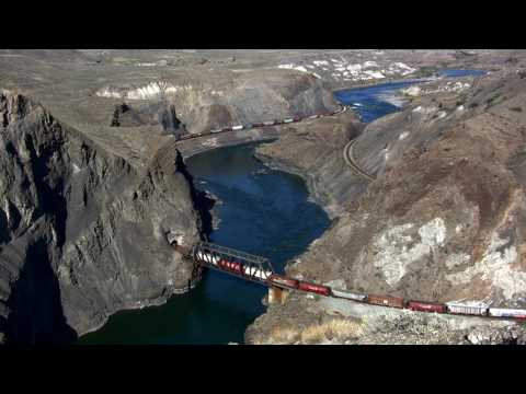 Canada: Trains through