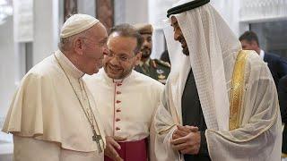 فيديو: الشيخ محمد بن زايد وشيخ الأزهر يستقبلان البابا في الإمارات…