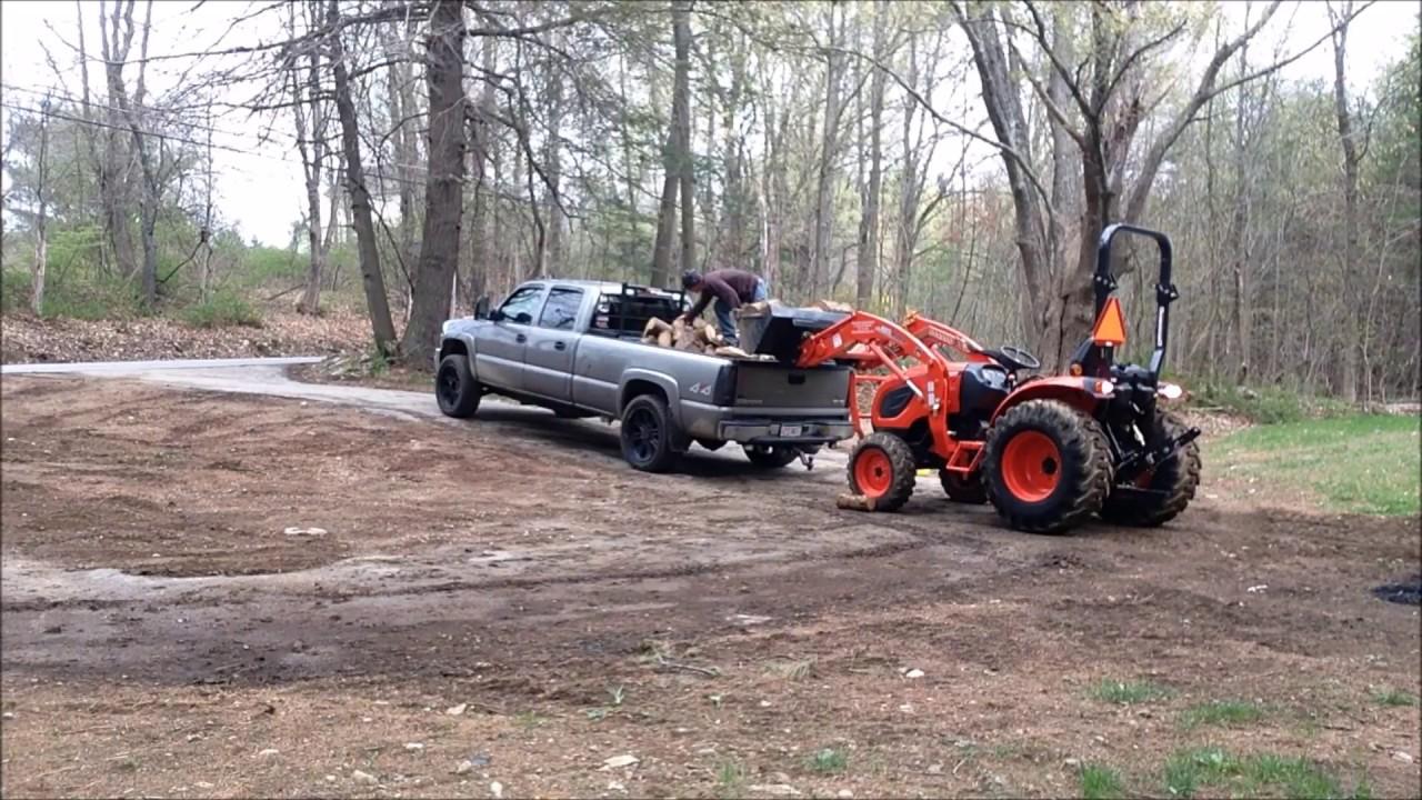 Kioti Tractors 2610 : Kioti ck moving wood youtube
