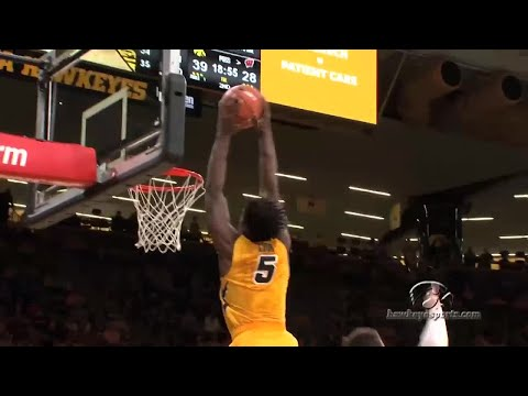 Hawkeyes Blow Out Badgers