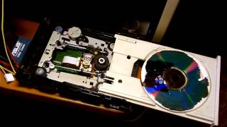 provoz DVD mechaniky bez krytu