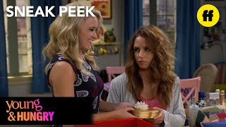 Repeat youtube video Young & Hungry | Season 5, Episode 2 Sneak Peek: Sofia Hates Valentine's Day | Freeform