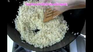 Vietnamese Food - Egg Fried Rice With Sausage - Day Nau An Com Chien Trung Lap Xuong Vietnamese Food
