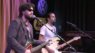 Bob Schneider - Let The Light In (Live in the Bing Lounge)