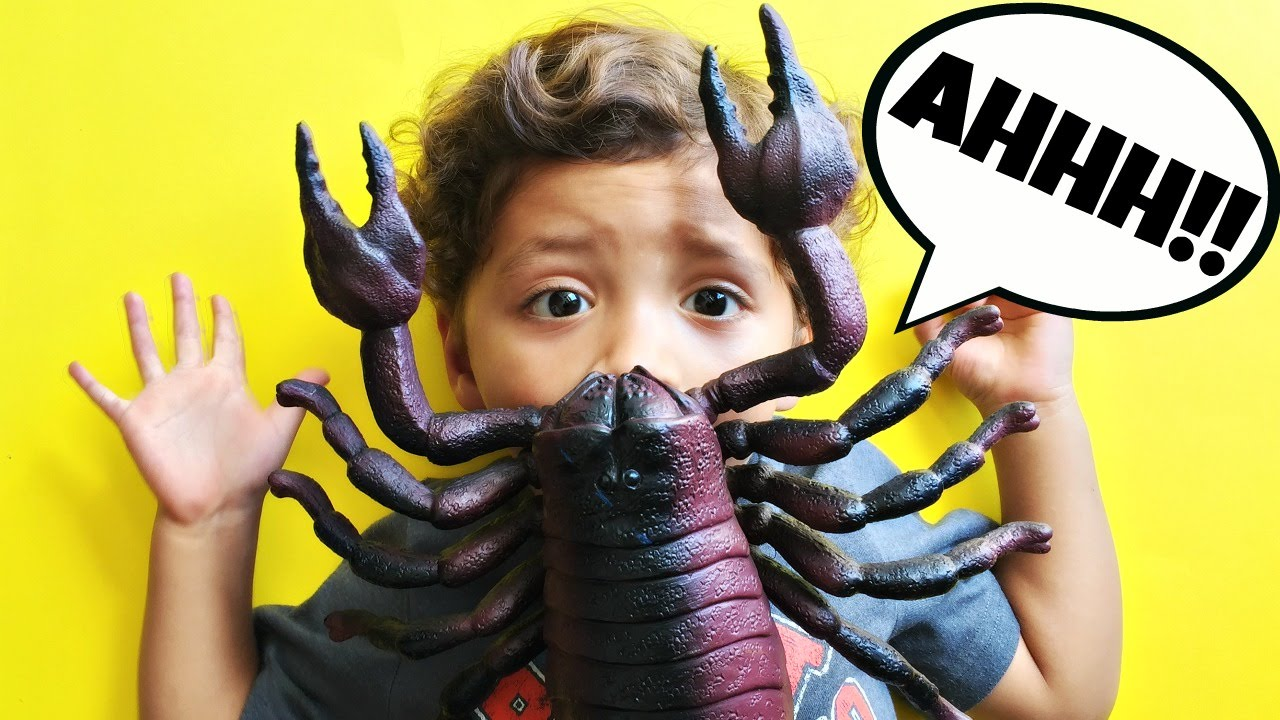 Bug Toys For Boys : Big scorpion attacks boy giant bug toys insect