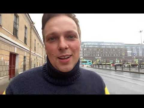 Rainy Saturday Night Live in St Petersburg, Russia. Putin's Motherland. LIVE Chat