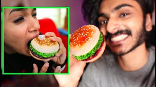 FAKE BURGER 🍔 PRANK ON MY SISTER 🤣🤣🤣 UNBOXINGDUDE l