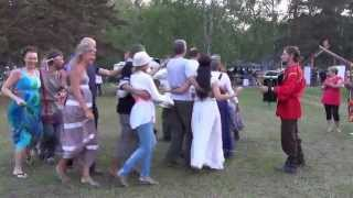 Русские народные танцы(События в Окунево на Солнцестоянии 2013 Полная хроника фестиваля -32 Гб видео смотрите на моём блоге - начало..., 2013-06-28T06:20:56.000Z)