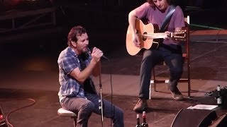 Pearl Jam: Yellow Moon [HD] 2013-10-15 - Worcester, MA