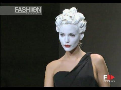 BALENCIAGA Fall 1994/1995 Paris - Fashion Channel