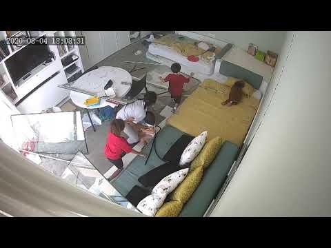 Beirut explosion inside house انفجار بيروت هلع وفزع  قوة التدمير تصل إلى بيت بعيد أنظر ماذا حدث