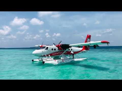 Sea Plane Landing Ata Maldives | Flight landing at water | Beautiful Maldives