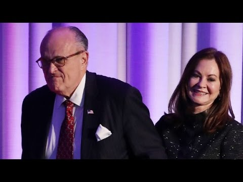 Giuliani withdraws Trump cabinet candidacy
