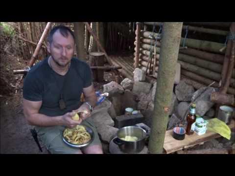 bei Dauerregen Zeit im Bushcraft Wald Camp verbracht