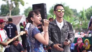 Download Video ADEK JILBAB BIRU JIHAN AUDY FEAT WANDRA OM ROSABELLA ANNYVERSARY JIHAN AUDY MP3 3GP MP4