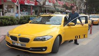 Lüks Taksiyi Gören Binmeye Çekindi, Sahibi Aldığına Pişman Oldu